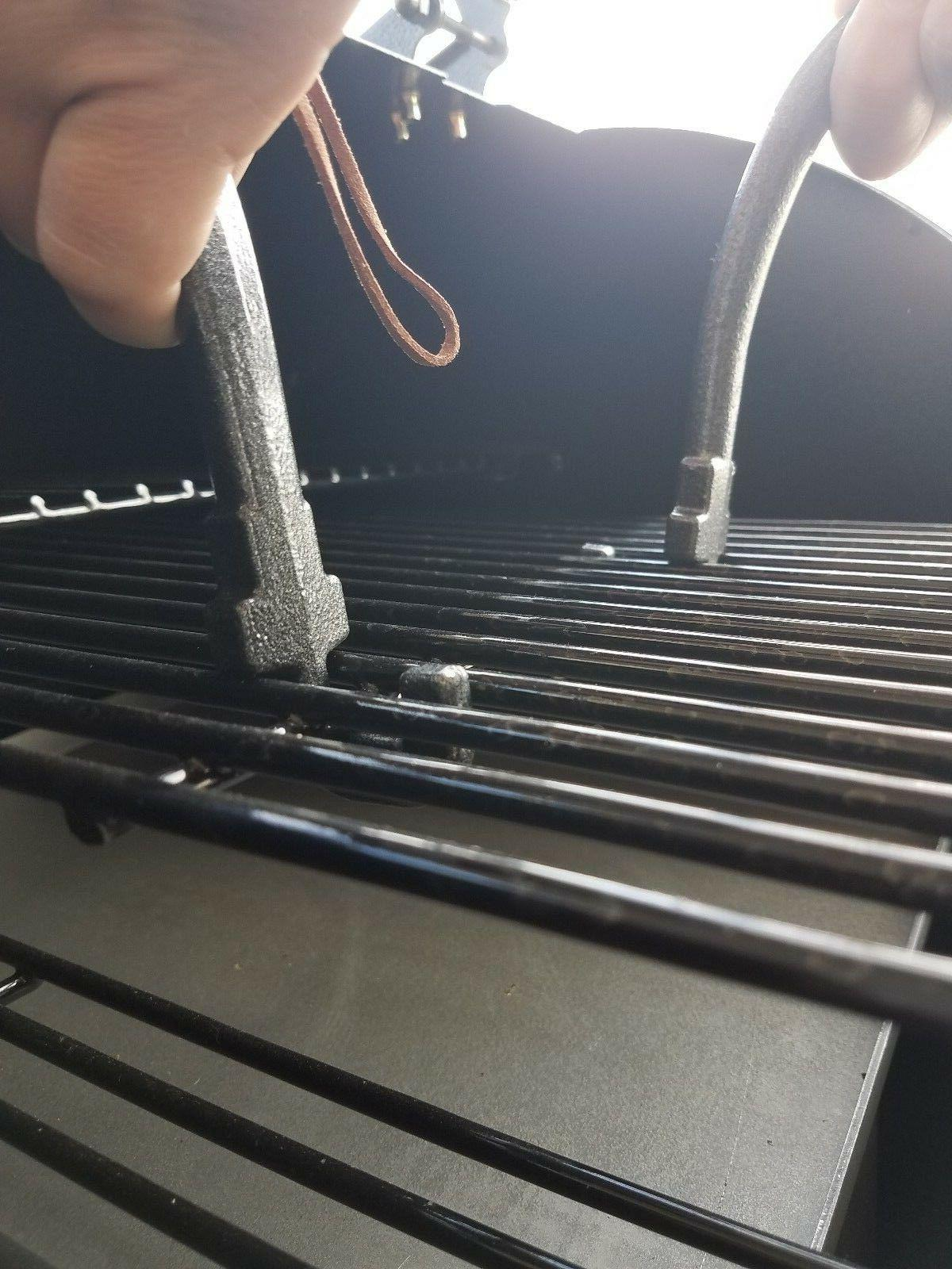 2 BBQ LIFTERS- LIFTERS PELLET STOVES