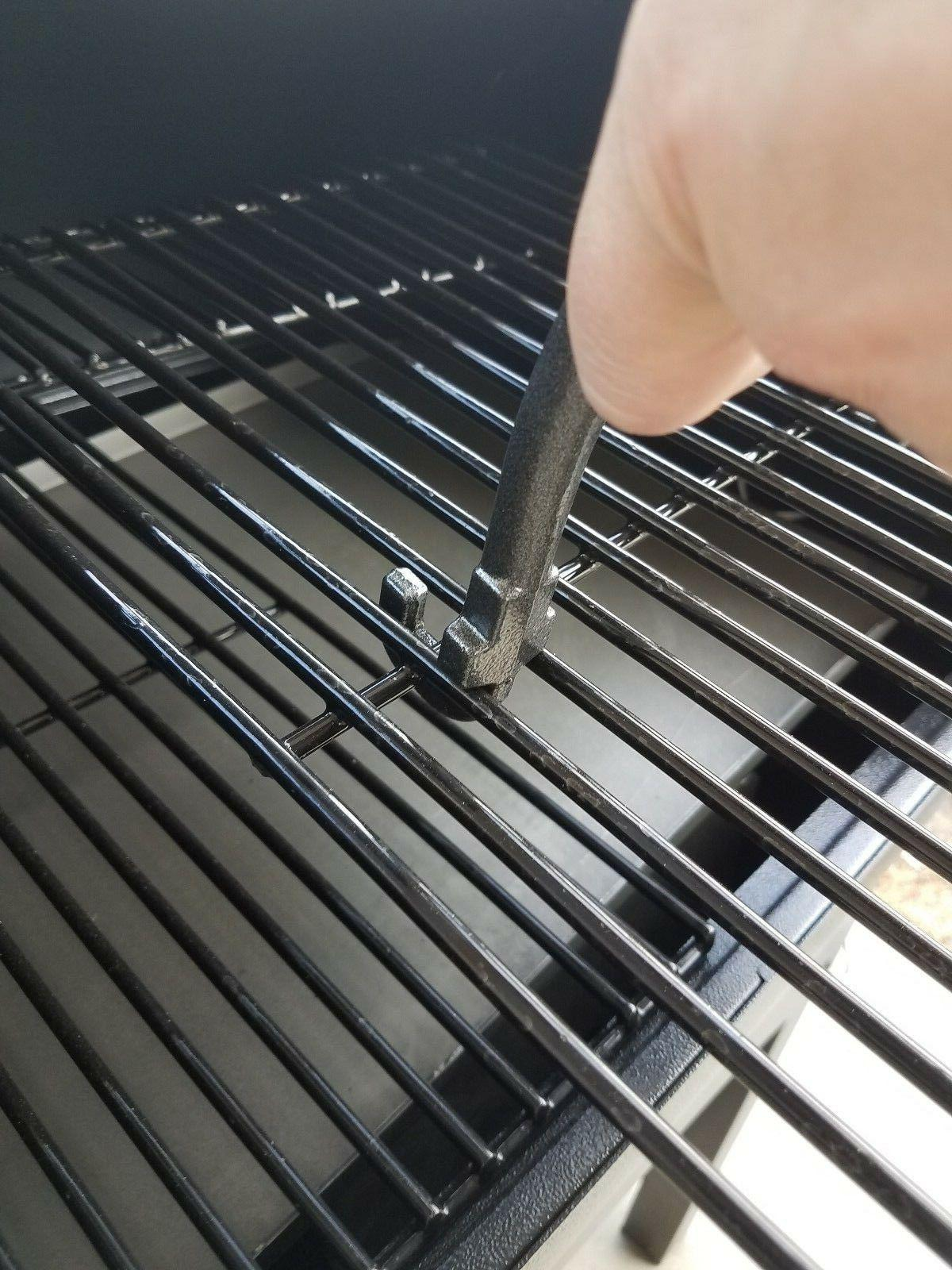 2 GRILL GRATE LIFTERS- TRAEGER